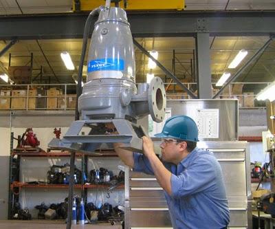 sửa chữa máy bơm nước tại nơi sử dụng